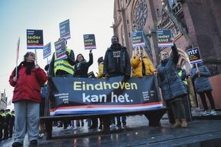 KOZP-demonstranten tijdens de Intocht van Sinterklaas in Eindhoven 2018