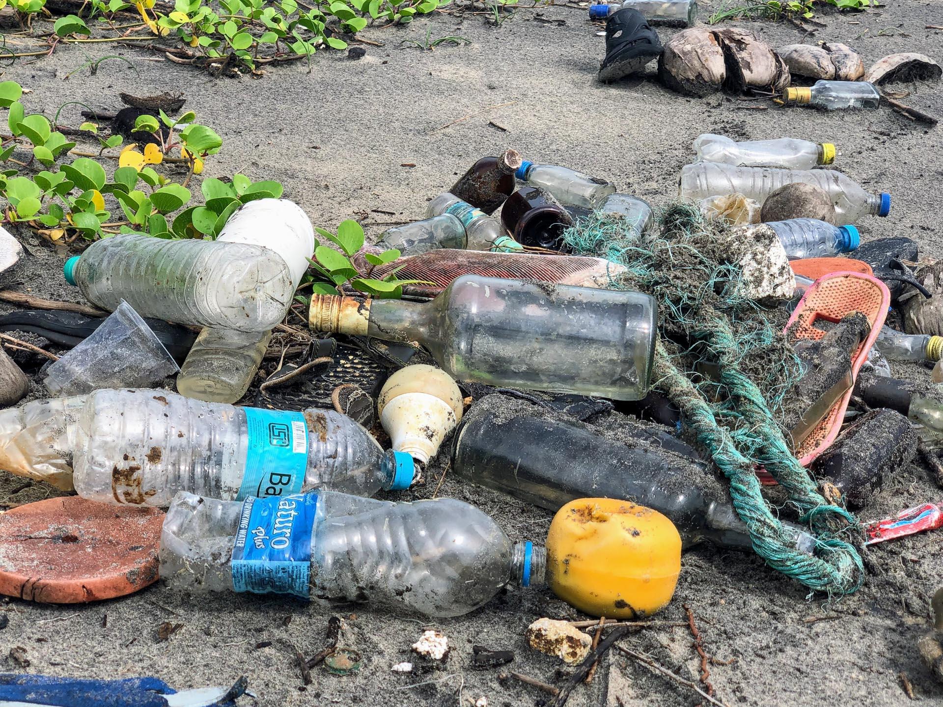 El-Nido-Philippines-Plastic-2-of-2