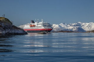 Hurtigruten-Cruise-Ships-Running-on-Dead-Fish-NorwayMS-Polarlys-Foto-Carsten-Pedersen-Hurtigruten
