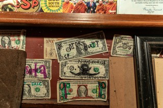 Dollar bills on Elliott Street Pub wall