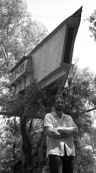 1543317134202-Pedja-Ristic-Kucica-na-drvetu-Ada-medjica-1962-godina