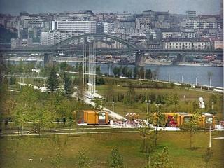 1543317670437-Uredeni-park-na-Novom-Beogradu-pre-splavova-foto-izdanje-JKP-Gradsko-Zelenilo