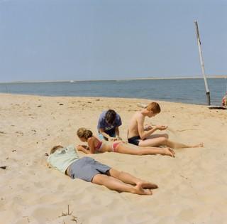 yann faucher photographs the beach at summer