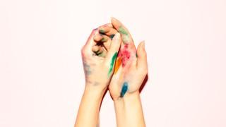 Bild von Händen mit Farbe
