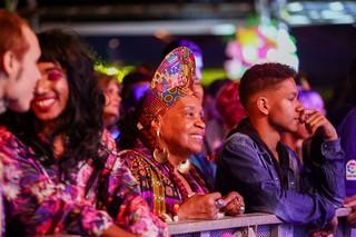Lydia Garcia, avó do Hodari e matriarca da Garcia Gang, no festival Favela Sounds