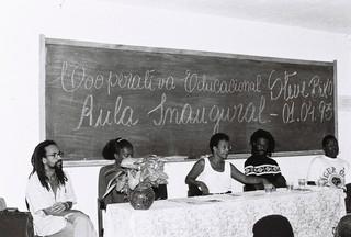 1543511641348-18-Aula-Inugural-da-Cooperativa-Educacional-Stive-BIko-Desde-o-inicio-coloco-mais-de-dois-mil-negros-na-universidade-Foto-Lazaro-Roberto-Ano-1993