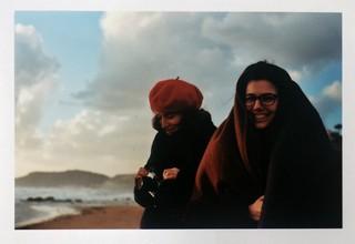 david uzochukwu photographs two girls by the sea
