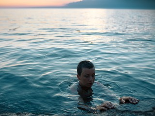 david uzochukwu photographs a woman in the sea
