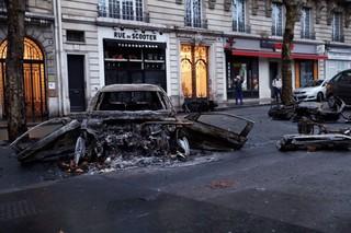 1543845863139-Paris1