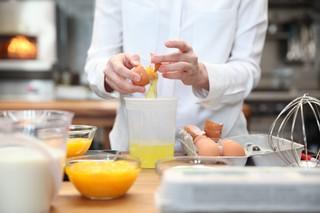 pastry chef stephanie prida separating egg yolks