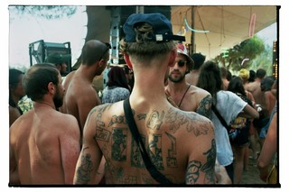 waking-life-festival-crato-portugal-man-met-tattoos-en-pet-Stephanie-Migerode