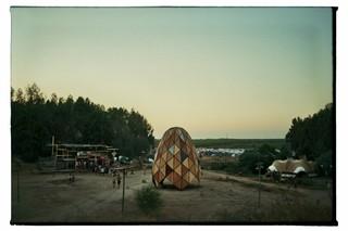 waking-life-festival-crato-portugal-constructie-Stephanie-Migerode