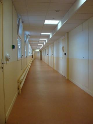 1544789357674-9_Hall-de-letage-superieur-desservant-les-deux-couloirs-dhebergement