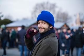Michael Buchinger auf einem Weihnachtsmarkt
