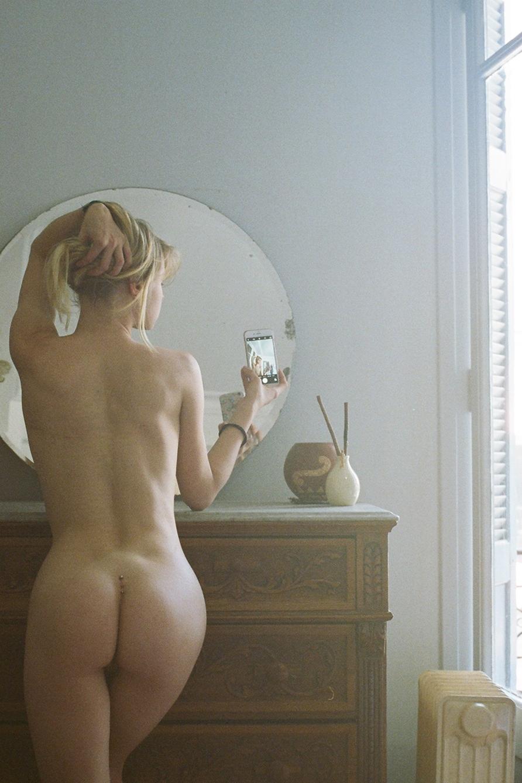 Frauen nacktselfies Nackt und