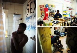 Armando in der Dusche des Asylzentrums
