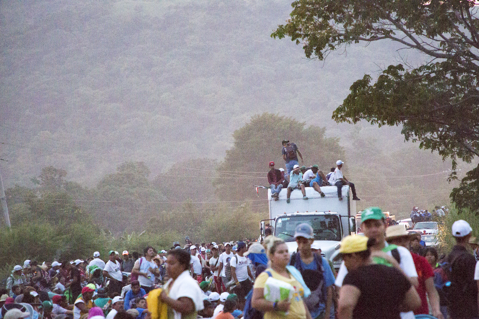 The migrant caravan makes it's way through Chiapas, Mexico (Jika Gonzales/VICE News.)