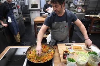 ken oringer cooking fideos