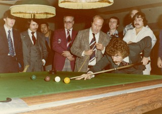 Cliff Thorburn takes snooker shot.