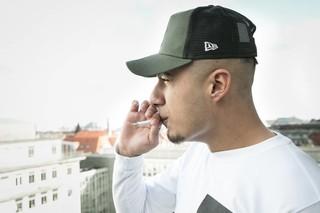 ZK ryger cigaret med Noisey