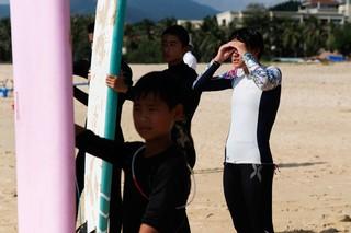 Surfing-Sanya-2-of-7