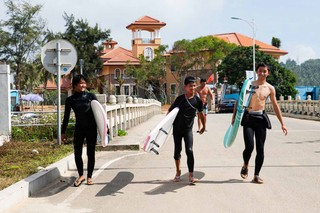 Surfing-Sanya-4-of-7