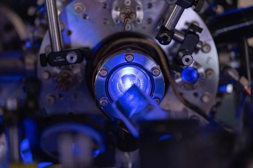 La matriz láser utilizada para crear el plasma ultra frío. Editorial: Universidad del arroz