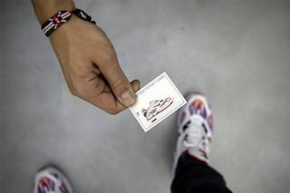 1547021990476-sneakers-6