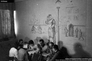 1547028656279-kantina-u-Radio-Beogradu-u-Kneza-Milosa-ukrasena-crtezom-na-zidu-po-motivu-pesme-Lili-Marlen-i-prvim-stihovima-koji-govore-o-devojci-i-vojniku-koji-se-grle-ispod-lampe-ispred-kasarne