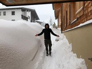 Meterhoher Schnee in Lech am Arlberg