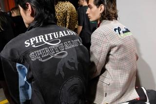 1547325718834-marceloburlon_FW19_milano_rosariorexdisalvo_fotografia_backstage_fashion_week_IDITALYDSCF6026