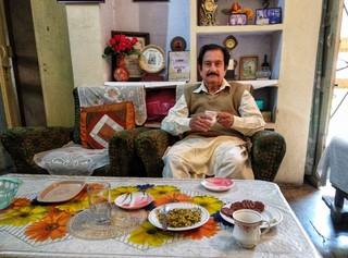 1547402745377-Shah-Fazilat-at-his-home