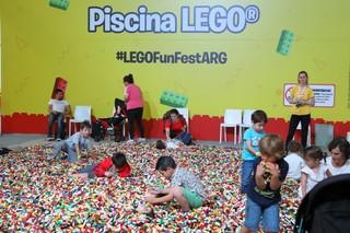 1547420056659-LegoLaRural71218_0579