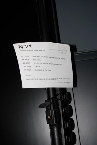 1547461997548-N21_FW19_milano_giorgia_imbrenda_fotografia_backstage_fashion_week_IDITALY_MG_9375