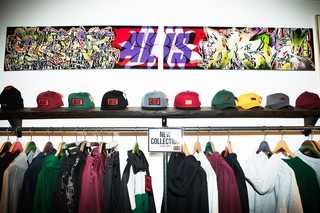 ALIS-tøj i butikken på Christiania