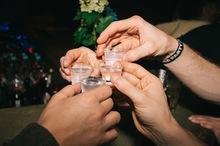 Shots werden getrunken