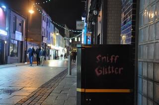 1547813637147-Sniff-Glitter