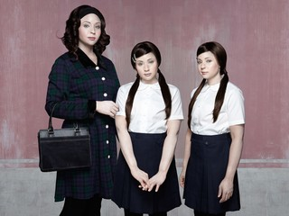 1548185628788-Stacey_Tyrell-Bonnie35-Twins9-Lara-Maisie-vice-mag-1700px