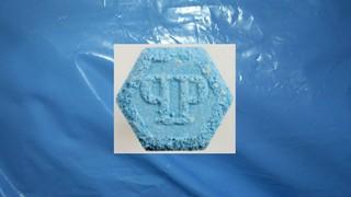 1548417369617-ecstasy_pille_hellblau_philipp_plein
