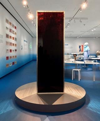 'Blood Mirror' in het Museum of the City of New York. Met dank aan de kunstenaar.