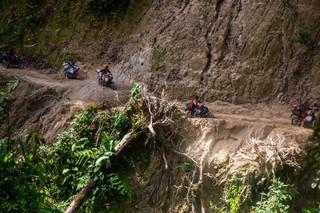 1548659704110-Ojek-Rampi-Menantang-Maut-15