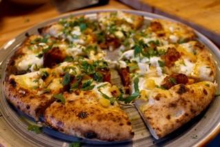 Pizza-all-ananas-Milano