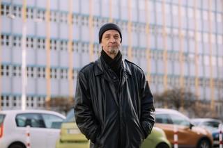 Hartz-IV-Bezieher Jörk raucht und trinkt nicht – so reiche das Geld, sagt er