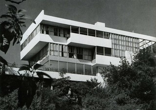 1548925768494-08-original-vision-richard-neutra-lovell-house