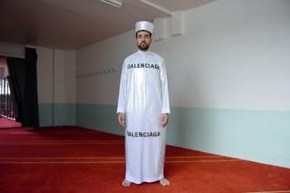 Mous lamrabat Mousganistan balenciaga djellaba