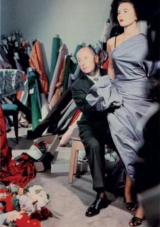 Christian Dior en compagnie de la mannequin Sylvie, Circa 1948, courtesy Christian Dior