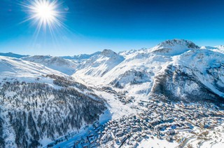 1549537791330-Val-dIsere-Snow-making-2