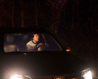 man-wacht-in-auto-nacht-Jonas-Van-der-Haegen-where-did-we-meet-last-time