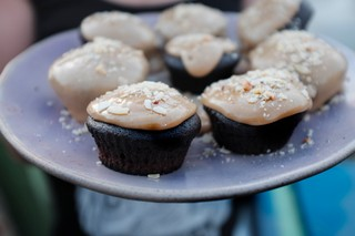 1550055244456-Claire-3-Vegan-peanut-butter-and-chocolate-cupcakes