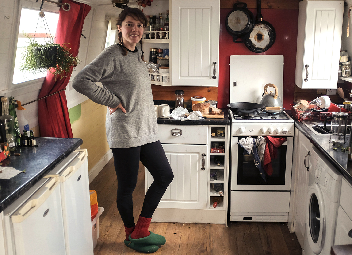 Inside The Tiny Kitchens Of London S Canal Boat Dwellers